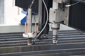 cnc plasma cutter drilling torch