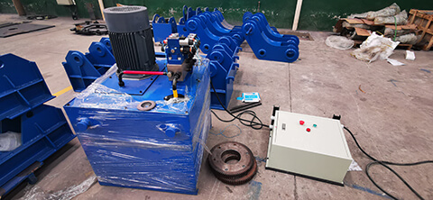 Hydraulic welding pipe rotators