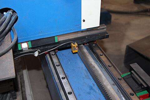 Square pipe CNC plasma cutter limit switch