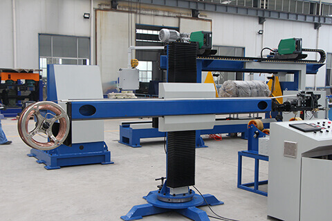 column and boom welding manipulator
