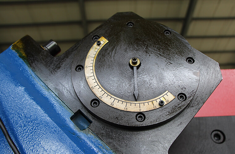 Angle indicator plate of welding positioner