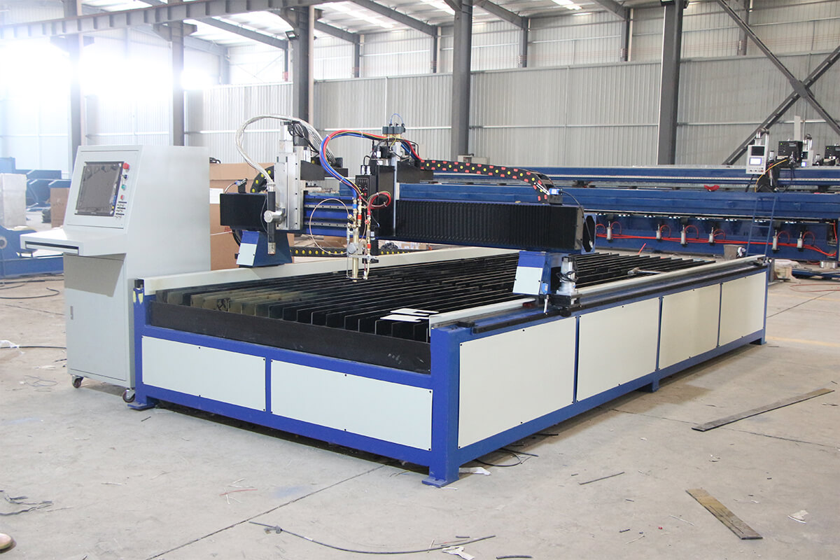 plasma cutting and oxyfuel cutting machine