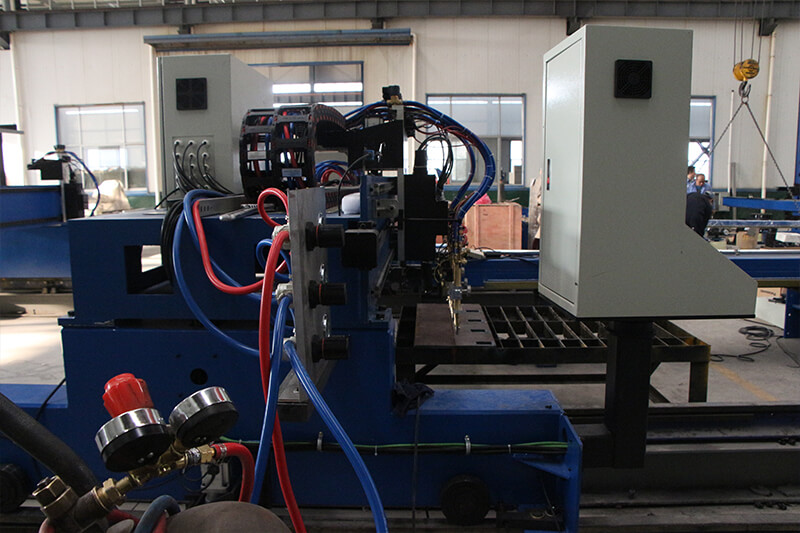 CNC flame cutting machine gas control system
