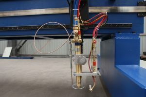 What are the differences between the three types of preheating flame for oxygen-acetylene flame cutting