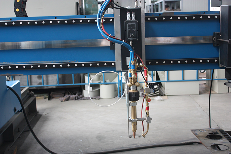 gantry cnc flame cutting torch